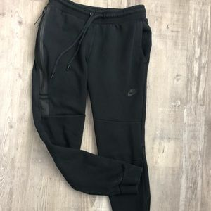 Women Nike Tech fleece pants.